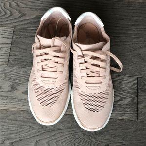 Joey Vionic shoes size 10